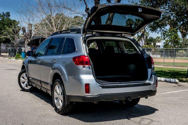 2011 Subaru Outback 3.6R Limited Reseda, CA 10