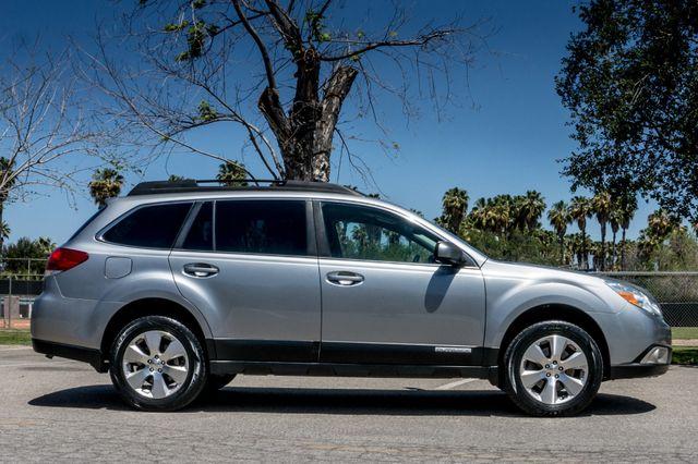 2011 Subaru Outback 3.6R Limited Reseda, CA 5
