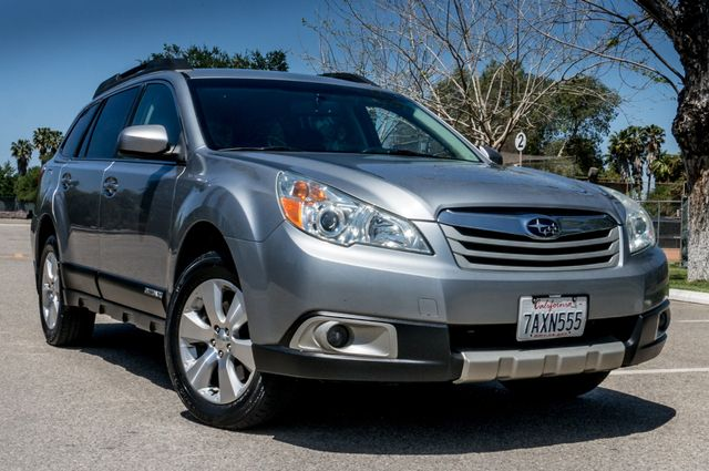 2011 Subaru Outback 3.6R Limited Reseda, CA 46