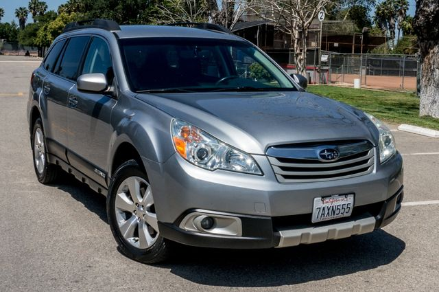 2011 Subaru Outback 3.6R Limited Reseda, CA 45