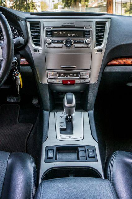 2011 Subaru Outback 3.6R Limited Reseda, CA 23