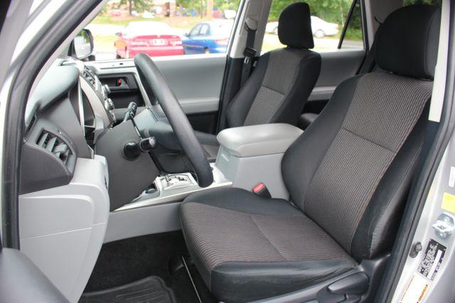 2011 Toyota 4Runner SR5 4X4 - SUNROOF - CONVENIENCE PKG! Mooresville , NC 5