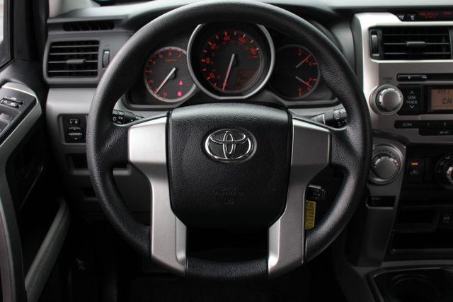 2011 Toyota 4Runner SR5 4X4 - SUNROOF - CONVENIENCE PKG! Mooresville , NC 3