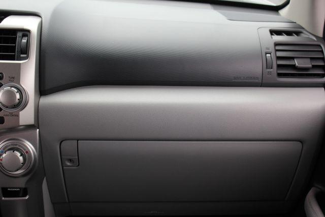 2011 Toyota 4Runner SR5 4X4 - SUNROOF - CONVENIENCE PKG! Mooresville , NC 4