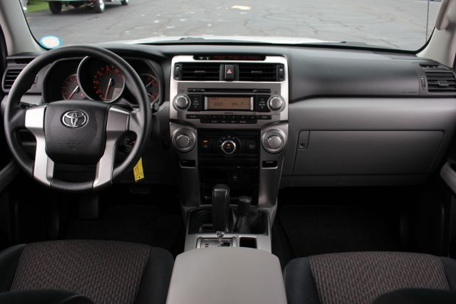 2011 Toyota 4Runner SR5 4X4 - SUNROOF - CONVENIENCE PKG! Mooresville , NC 20