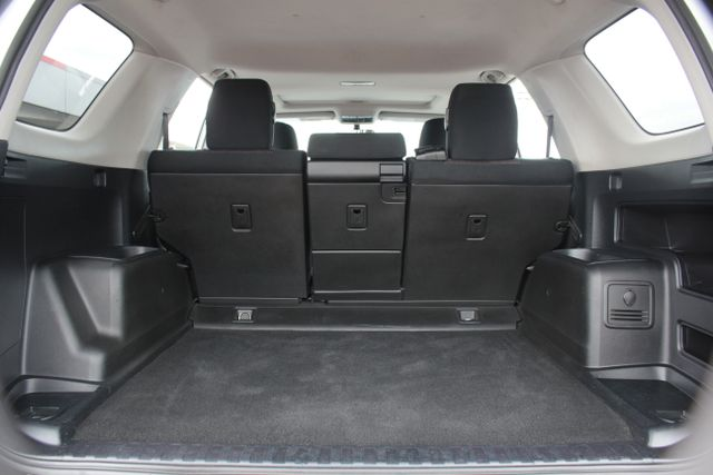 2011 Toyota 4Runner SR5 4X4 - SUNROOF - CONVENIENCE PKG! Mooresville , NC 9