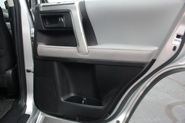 2011 Toyota 4Runner SR5 4X4 - SUNROOF - CONVENIENCE PKG! Mooresville , NC 28