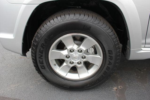 2011 Toyota 4Runner SR5 4X4 - SUNROOF - CONVENIENCE PKG! Mooresville , NC 16