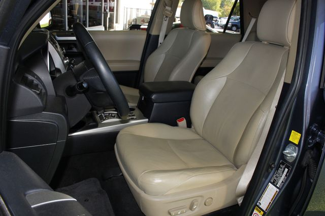 2011 Toyota 4Runner Limited 4WD - SUNROOF - HEATED LEATHER! Mooresville , NC 8
