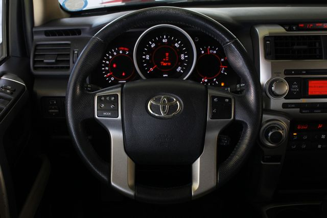 2011 Toyota 4Runner Limited 4WD - SUNROOF - HEATED LEATHER! Mooresville , NC 6