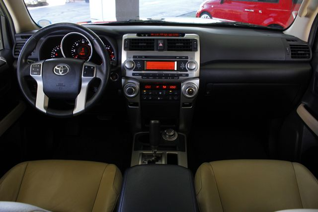 2011 Toyota 4Runner Limited 4WD - SUNROOF - HEATED LEATHER! Mooresville , NC 26