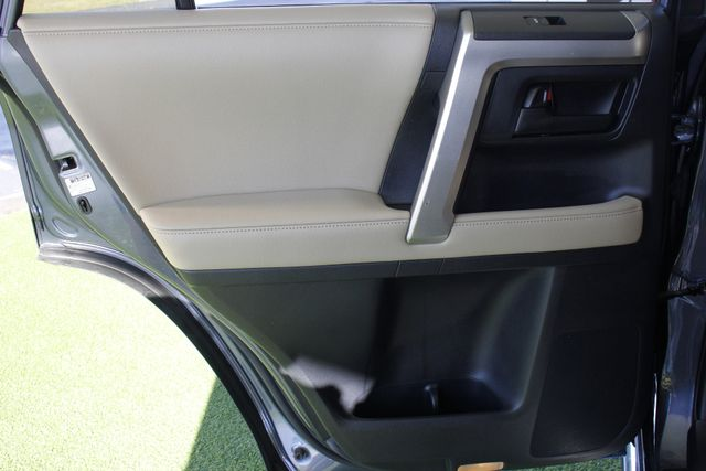 2011 Toyota 4Runner Limited 4WD - SUNROOF - HEATED LEATHER! Mooresville , NC 41