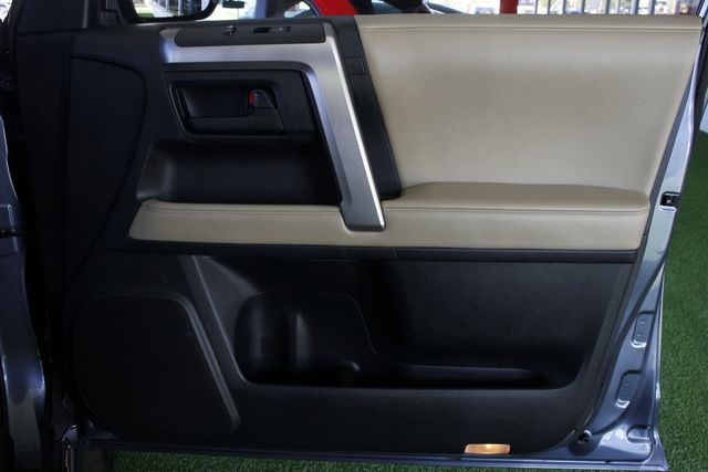 2011 Toyota 4Runner Limited 4WD - SUNROOF - HEATED LEATHER! Mooresville , NC 40
