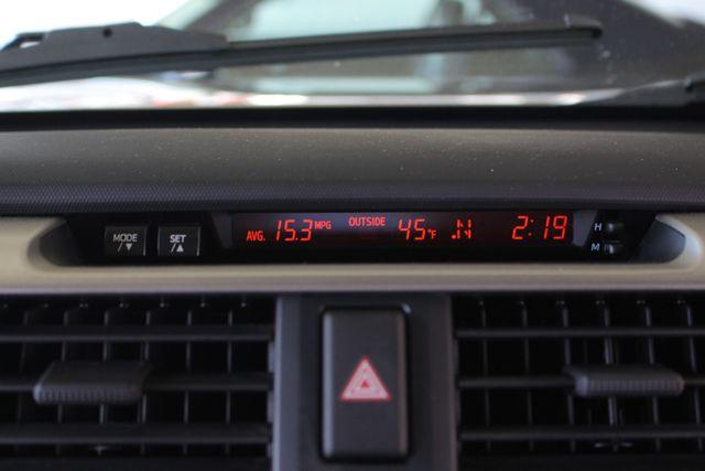 2011 Toyota 4Runner SR5 4x4 - SUNROOF - BUCKET SEATS! Mooresville , NC 35