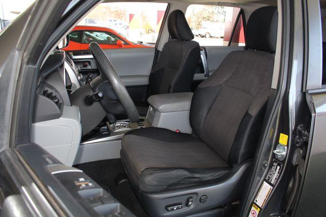2011 Toyota 4Runner SR5 4x4 - SUNROOF - BUCKET SEATS! Mooresville , NC 8