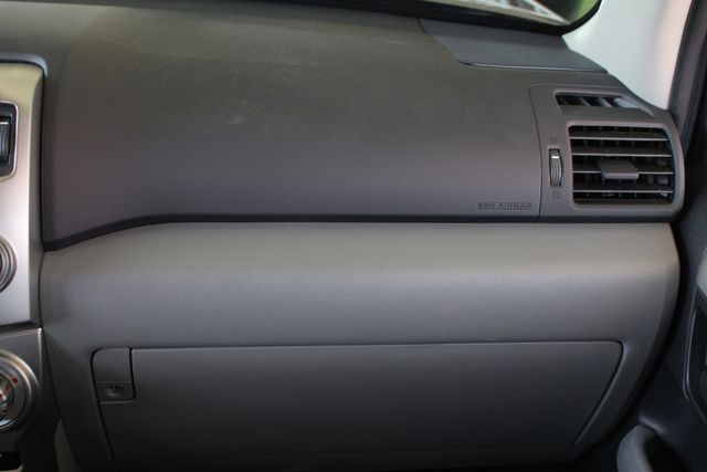 2011 Toyota 4Runner SR5 4x4 - SUNROOF - BUCKET SEATS! Mooresville , NC 7