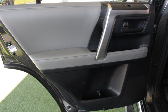 2011 Toyota 4Runner SR5 4x4 - SUNROOF - BUCKET SEATS! Mooresville , NC 43