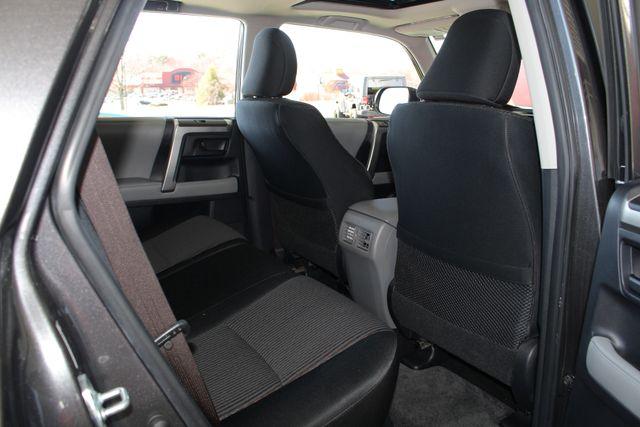 2011 Toyota 4Runner SR5 4x4 - SUNROOF - BUCKET SEATS! Mooresville , NC 40