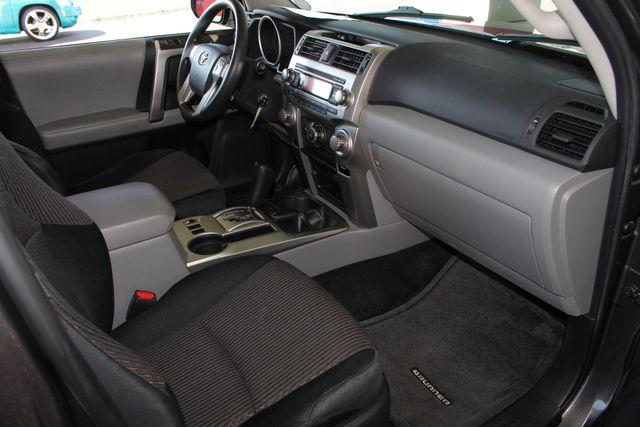 2011 Toyota 4Runner SR5 4x4 - SUNROOF - BUCKET SEATS! Mooresville , NC 32
