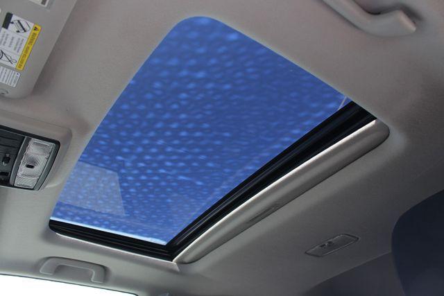 2011 Toyota 4Runner SR5 4x4 - SUNROOF - BUCKET SEATS! Mooresville , NC 3