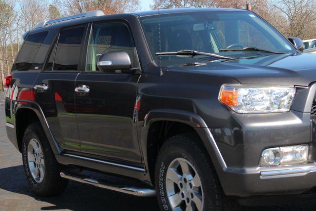 2011 Toyota 4Runner SR5 4x4 - SUNROOF - BUCKET SEATS! Mooresville , NC 25