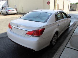 2011 Toyota Avalon Limited Farmington, Minnesota 1