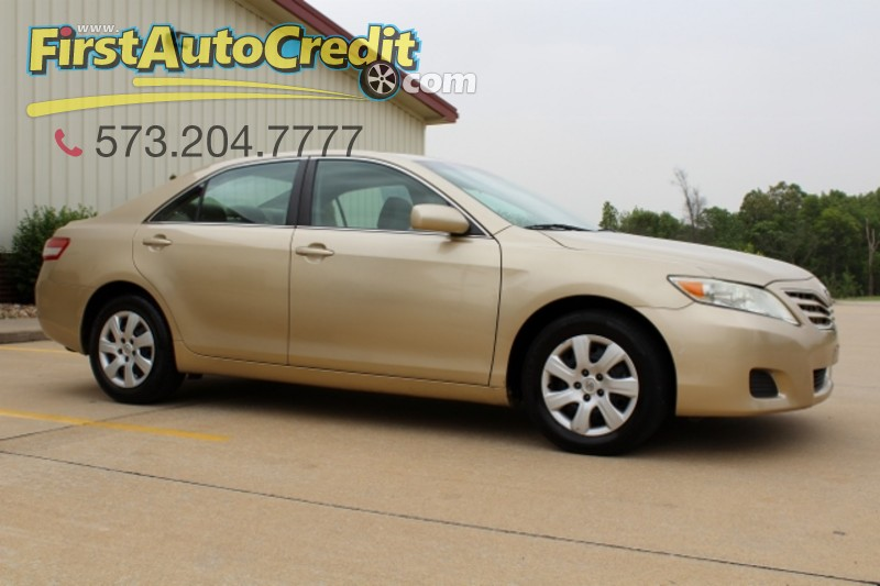2011 Toyota Camry LE in Jackson  MO