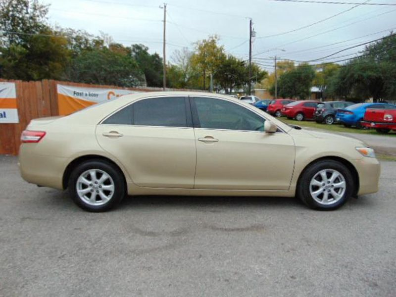 2011 Toyota CAMRY LE Leather Low Miles NICE  in Austin, TX