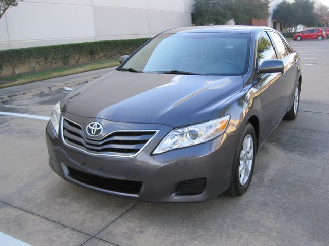 2011 Toyota Camry LE, Leather, Loaded, 1 Owner, Lo Miles Plano, Texas 3