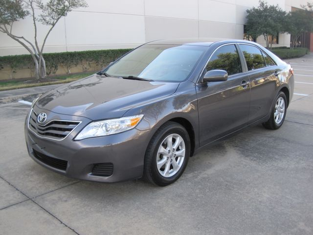2011 Toyota Camry LE, Leather, Loaded, 1 Owner, Lo Miles Plano, Texas 4