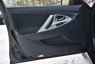 2011 Toyota Camry SE Naugatuck, Connecticut 3