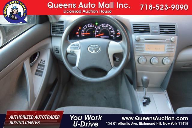2011 Toyota Camry 4dr Sdn I4 Auto LE (GS) Richmond Hill, New York 17