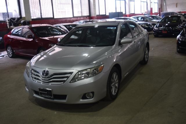 2011 Toyota Camry 4dr Sdn I4 Auto XLE Richmond Hill, New York 0