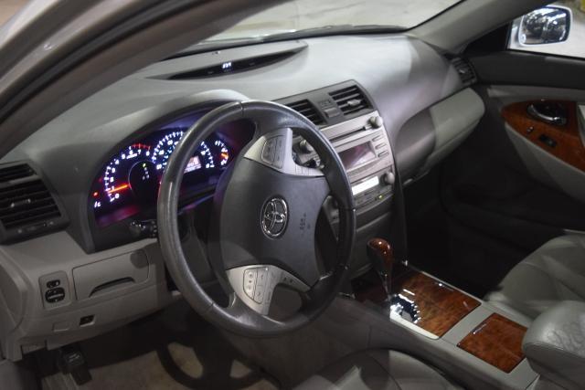 2011 Toyota Camry 4dr Sdn I4 Auto XLE Richmond Hill, New York 10