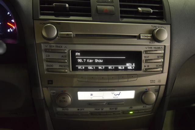 2011 Toyota Camry 4dr Sdn I4 Auto XLE Richmond Hill, New York 12