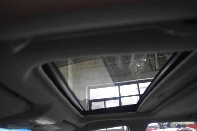 2011 Toyota Camry 4dr Sdn I4 Auto XLE Richmond Hill, New York 5