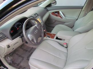 2011 Toyota Camry XLE  Low Miles Navi / Camera / moon roof/ leather Sacramento, CA 12