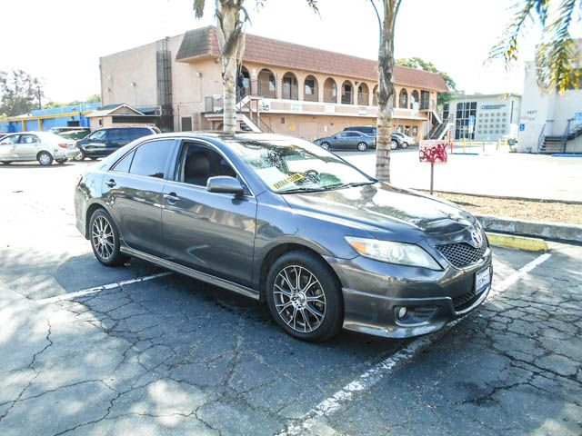 2011 Toyota Camry SE Limited warranty included to assure your worry-free purchase AutoCheck repor