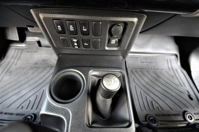2011 Toyota FJ Cruiser Reseda, CA 37