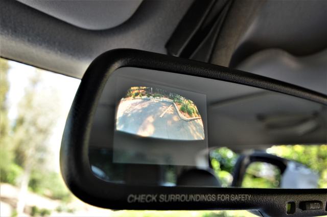 2011 Toyota FJ Cruiser Reseda, CA 11