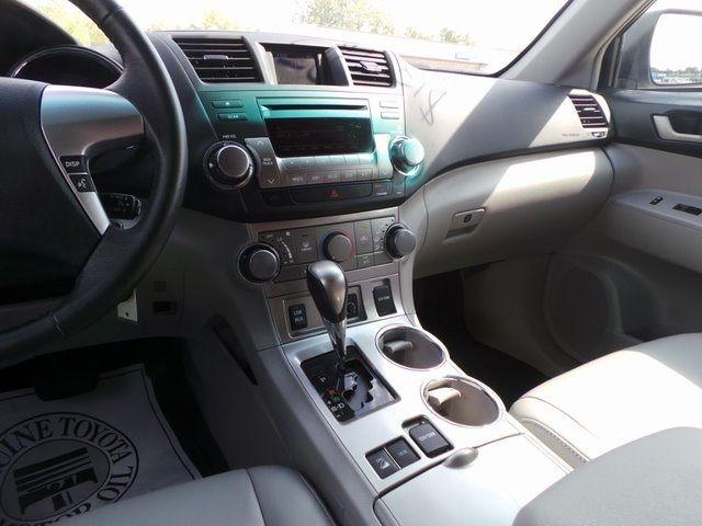 2011 Toyota Highlander SE Cape Girardeau, Missouri 16