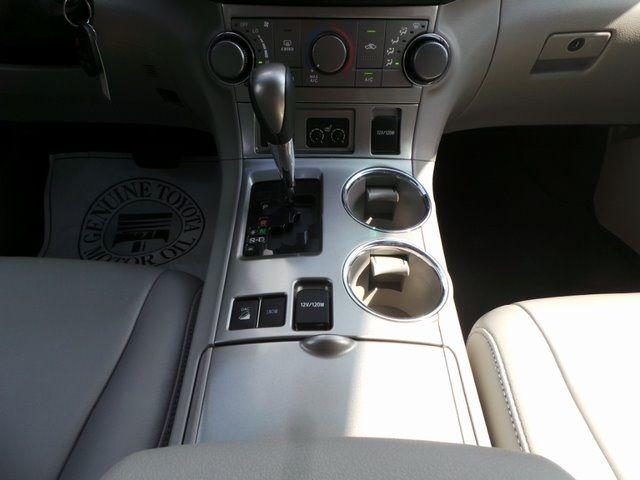 2011 Toyota Highlander SE Cape Girardeau, Missouri 18