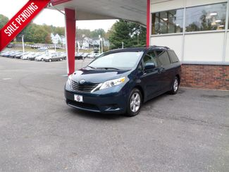 2011 Toyota Sienna in WATERBURY, CT