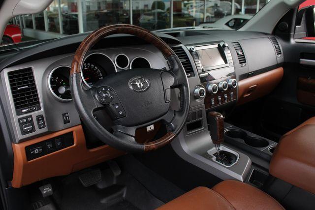 2011 Toyota Tundra PLATINUM CrewMax 4x4 - NAV - SUNROOF! Mooresville , NC 33