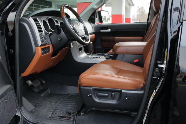 2011 Toyota Tundra PLATINUM CrewMax 4x4 - NAV - SUNROOF! Mooresville , NC 31