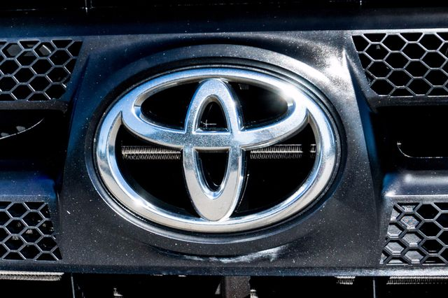 2011 Toyota Tundra Reseda, CA 43