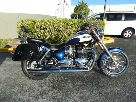 2011 Triumph America Two Tone + Extras! EXCELLENT CONDITION! in Hollywood, Florida