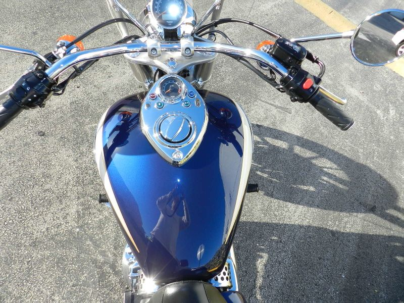 2011 Triumph America Two Tone  Extras EXCELLENT CONDITION  city Florida  MC Cycles  in Hollywood, Florida