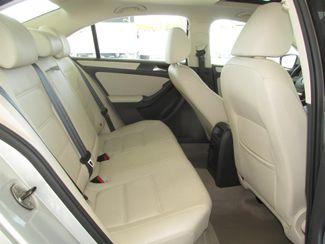 2011 Volkswagen Jetta SE w/Convenience Sunroof PZEV Gardena, California 12