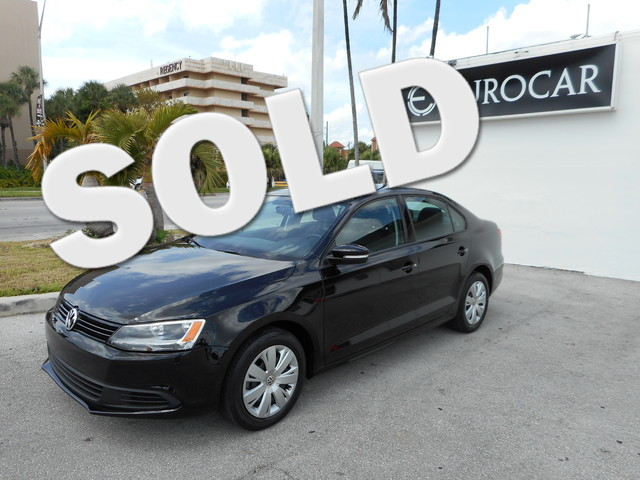 2011 Volkswagen Jetta SE Take a good look at this beautiful 2011 VOLKSWAGON JETTA SE This is a 1 O